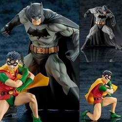 Picture of ARTFX+ - DC UNIVERSE: Batman & Robin (Pack of 2)