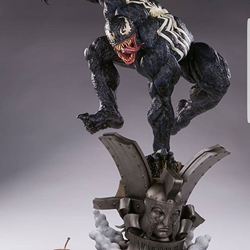 Picture of Sideshow venom premium format statue exclusive with additional alternative head